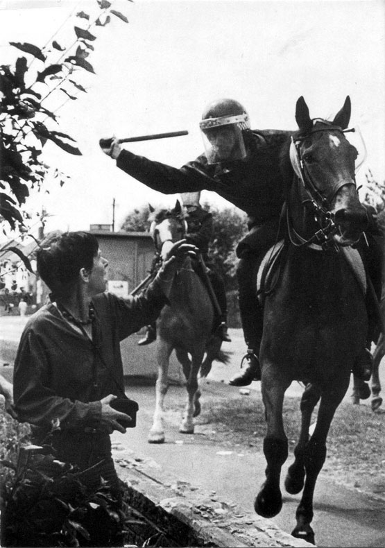 Mounted policeman attacks Lesley Boulton at Orgreave Colliery, 18 June 1984
